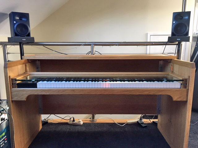 piano-desk-1